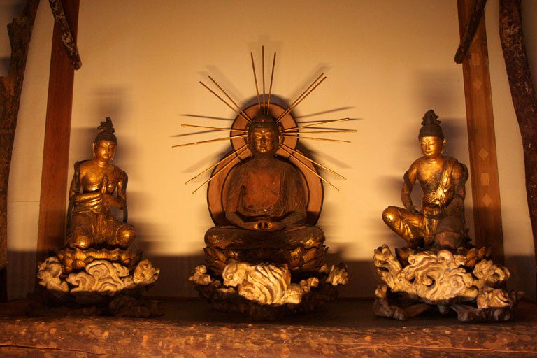 常照皇寺の釈迦三尊像