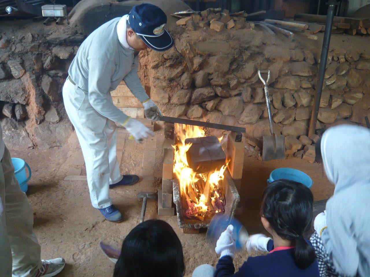 日本で「唯一」の研磨炭職人による炭焼き「炭焼き体験」